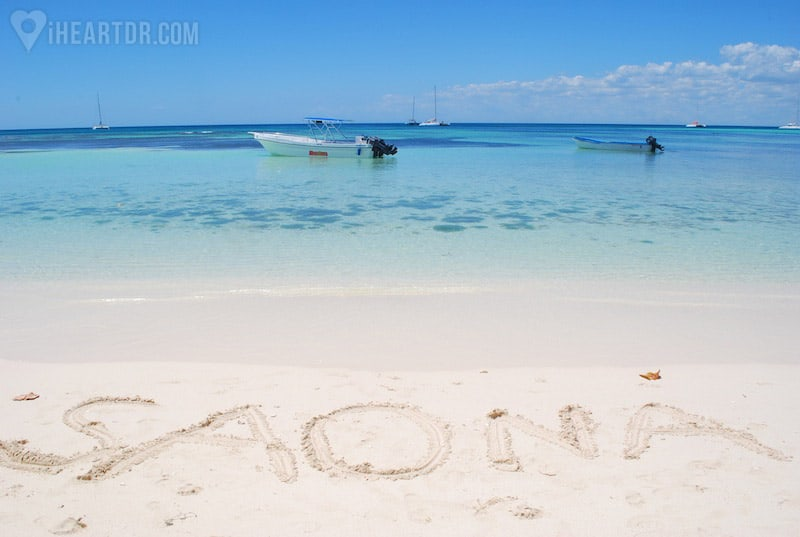 The word Saona written on the sand