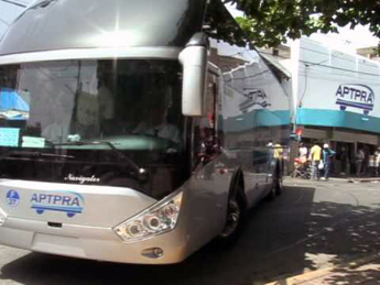 Bus departing from the Parque Enriquillo stop