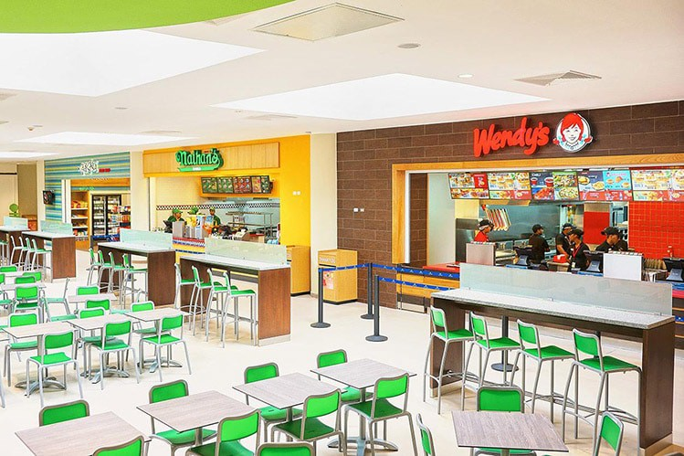 Restaurants at the Punta Cana airport food court